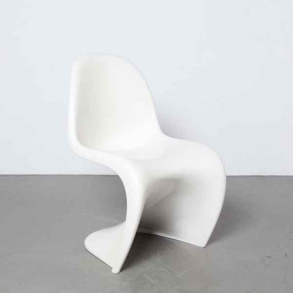 SS200812C 0 H Panton Chair Verner Herman Miller original vintage white seventies fins ribs Fehlbaum plastic fantastic space age wavy shape design classic sculptural stackable 1960s sixties